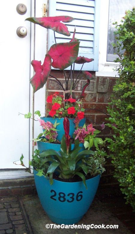 Creative and Frugal DIY Garden Art Projects: Make this layered planter for instant curb appeal