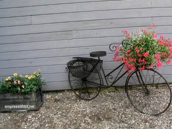 30 Garden container ideas | Plant a bike