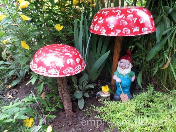 garden art toadstools- home garden tour