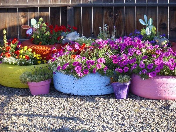 colourful tire planters: Fabulous garden container ideas