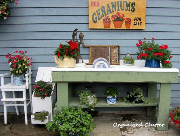 Potting Bench by http://organizedclutterqueen.blogspot.com