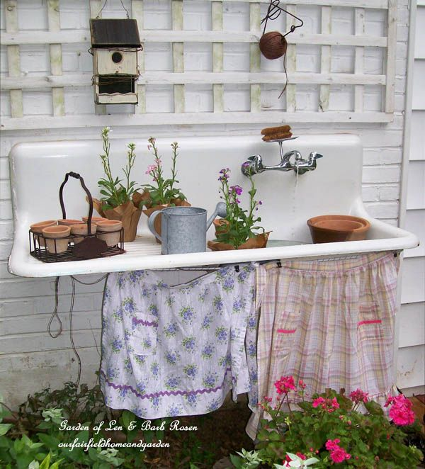 Potting Bench by http://ourfairfieldhomeandgarden.com/