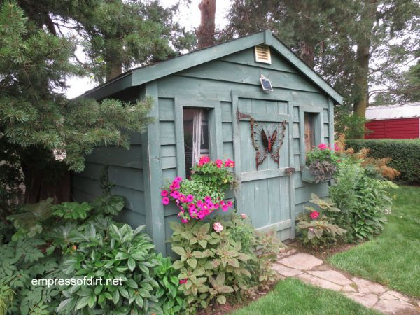 garden ideas around shed