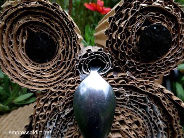 Mama owl's face - owl craft project -www.empressofdirt.net