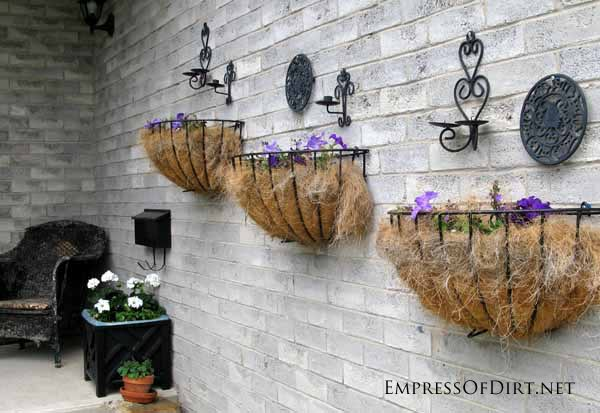 25+ Creative Ideas For Garden Fences | Candle Holders and Kitchen Trivets