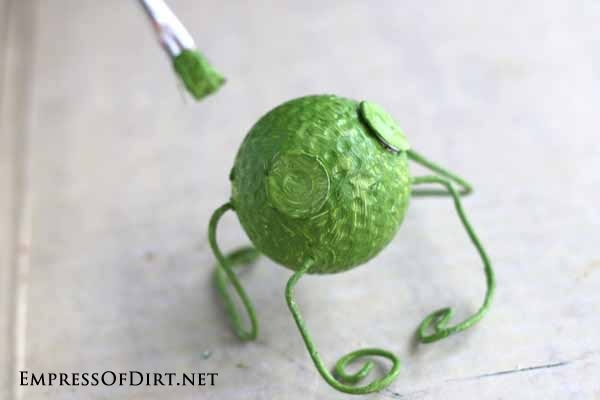 DIY Garden Buggies - recycled golf ball craft #earthday