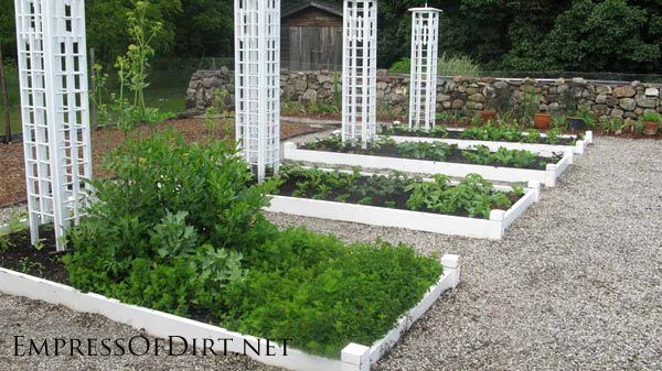 20+ Ideas for your home veggie garden - kitchen garden with trellis